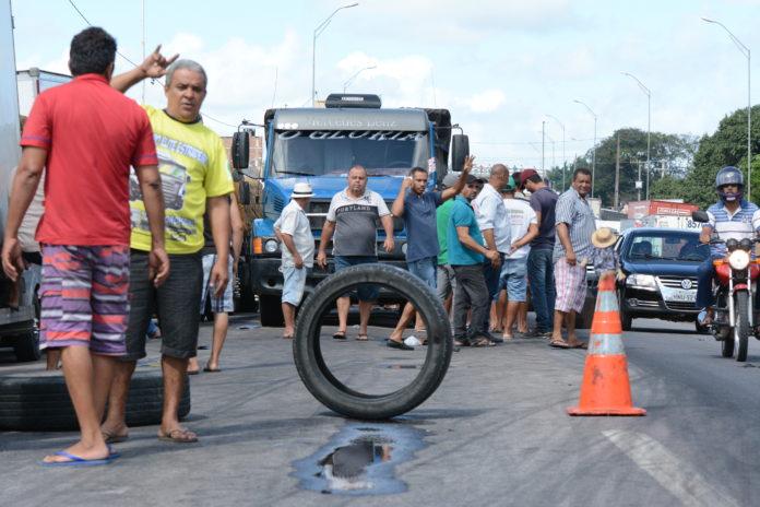 caminhoneiros-nao-aceitam-acordo-do-governo-e-greve-vai-continuar